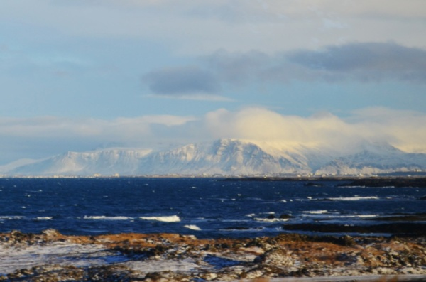 """Исландия переводится как """" земля льдов"""""""