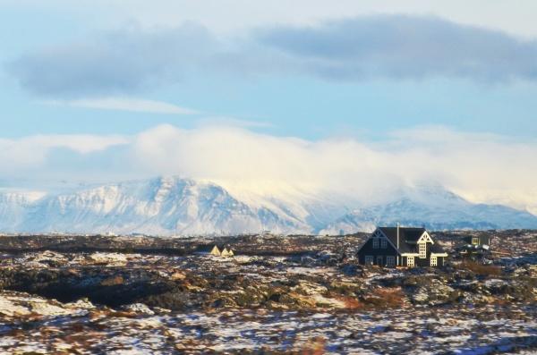 Исландия - самый большой остров вулканического происхождения