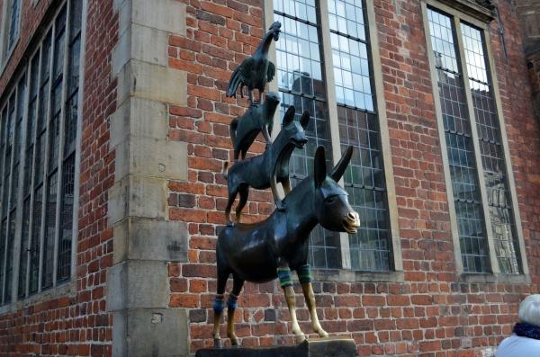 Памятник бременским музыкантам