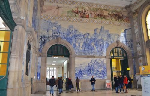 Азулежу внутри вокзала Сао-Бенто