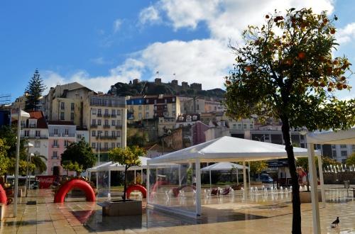 Вид на Замок Святого Георгия. В 1147, на этом месте располагался двор мавританского эмира, потом при помощи крестоносцев был захвачен португальцами.
